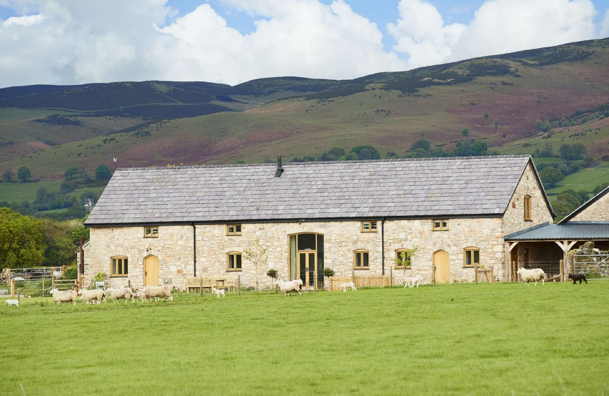 The Longbarn at Caerfallen a british holiday cottage for 6 in ,