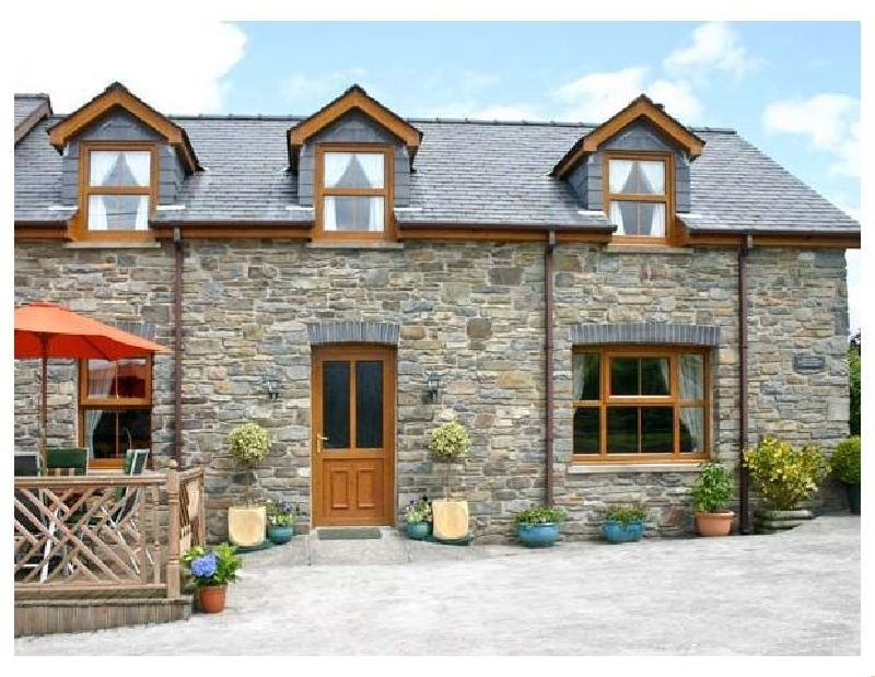 Click here for more about Tangaer Cottage