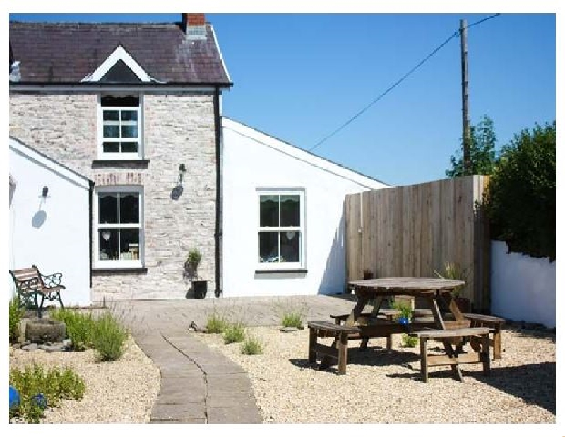 The Den a british holiday cottage for 2 in ,