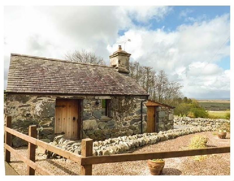 Y Becws a british holiday cottage for 2 in ,