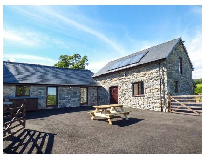 Beudy Bach Barn a british holiday cottage for 6 in ,