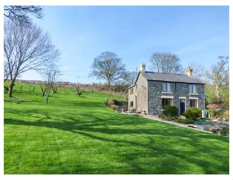 Groes Lwyd a british holiday cottage for 8 in ,