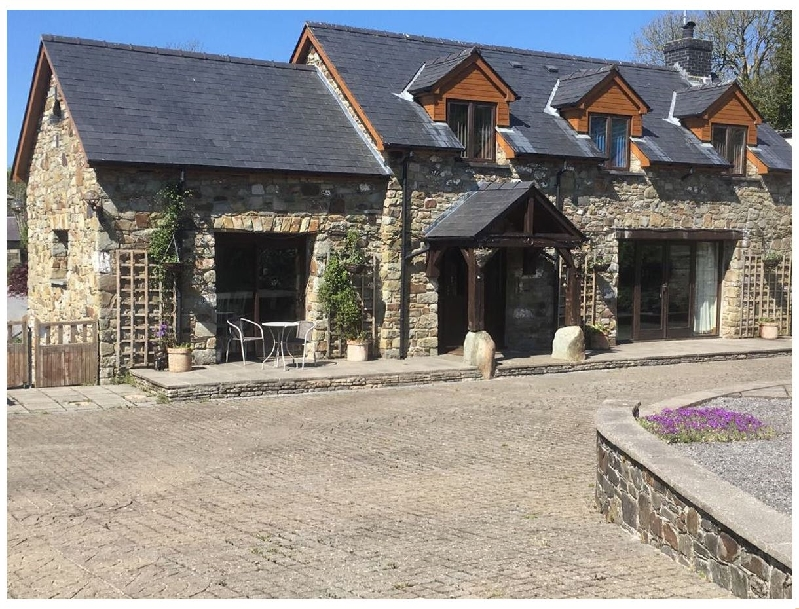 Click here for more about Clos-y-Hendy