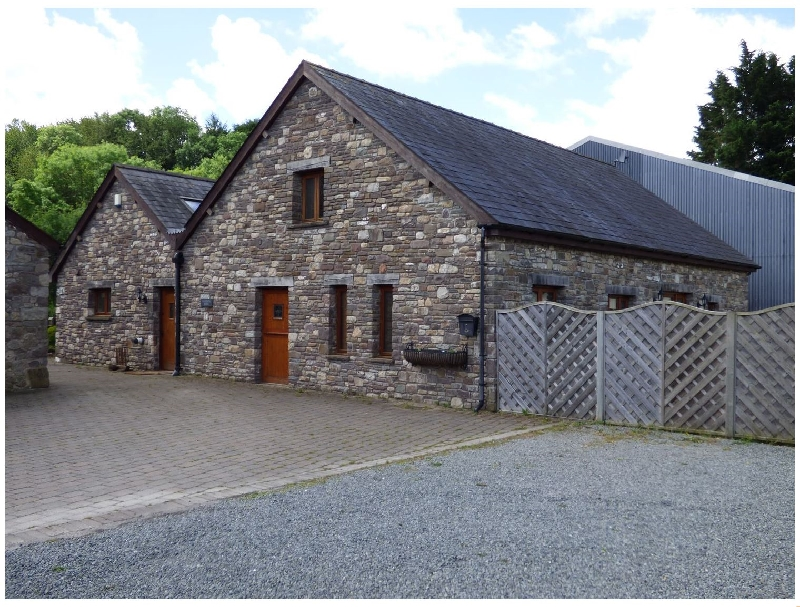 Click here for more about Riverside Barn