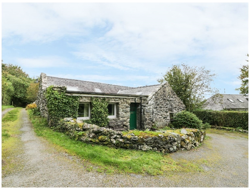 Ty Cerrig a british holiday cottage for 5 in ,