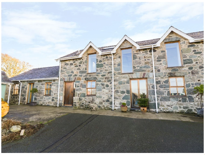 Wern Olau Cottage a british holiday cottage for 5 in ,