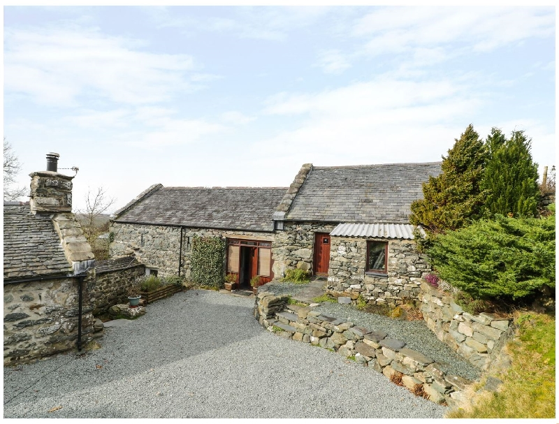 Click here for more about Ty Gwennol at Gilfach Goch
