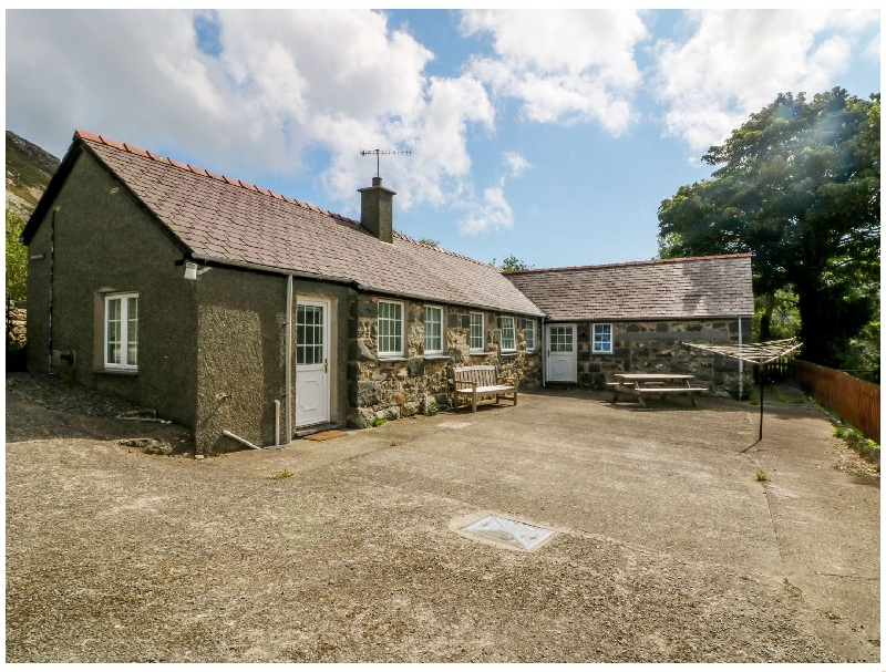 Penlon Cottage a british holiday cottage for 6 in ,