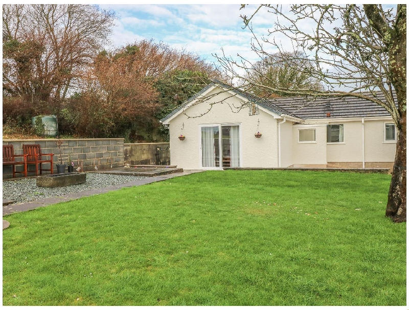 Broadford Farm Bungalow a british holiday cottage for 4 in ,