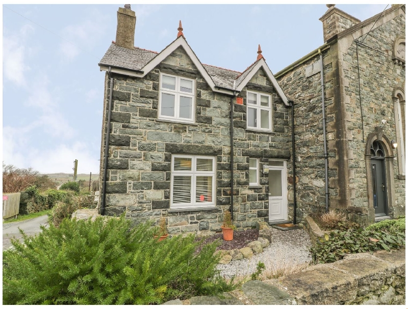 Ty Capel a british holiday cottage for 4 in ,