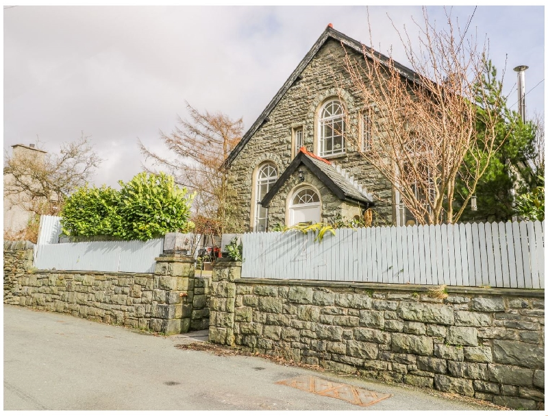 Horeb Chapel House a british holiday cottage for 10 in ,