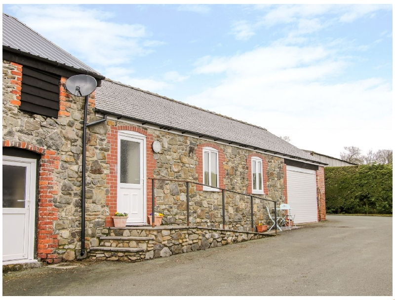 Cut Lloi a british holiday cottage for 2 in ,