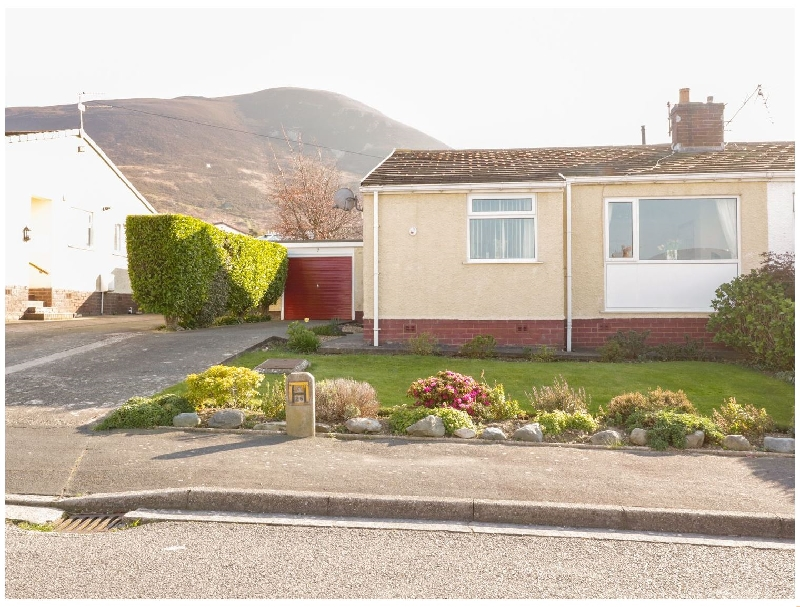 Cynlais Cottage a british holiday cottage for 4 in ,