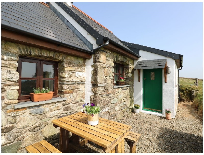 Ysgol Hill a british holiday cottage for 2 in ,