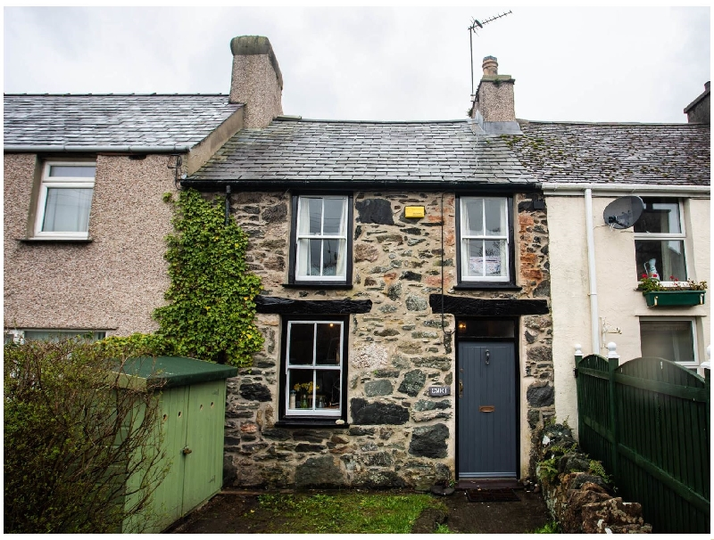 Cwrt Cottage a british holiday cottage for 5 in ,
