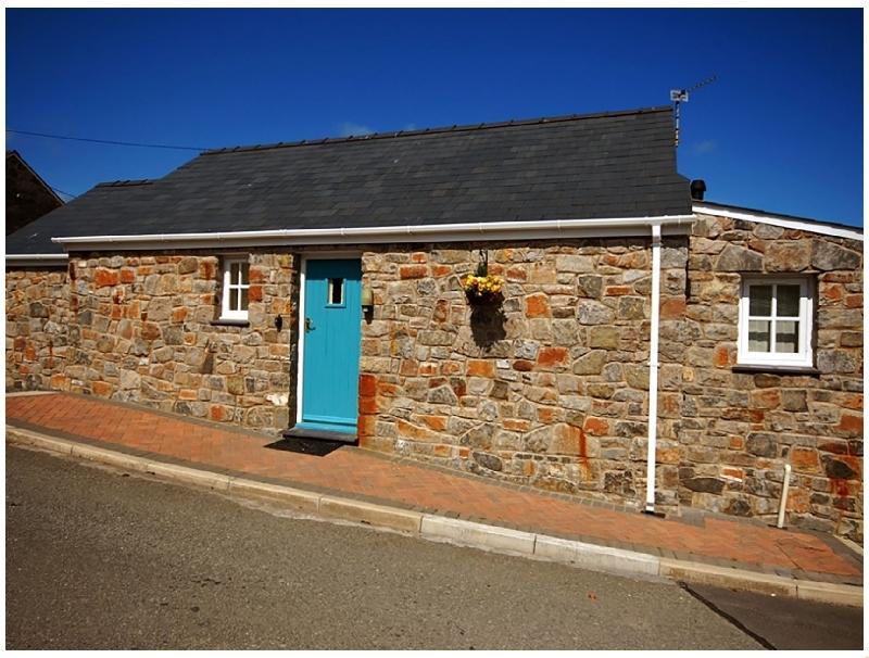 Tyn Towyn - Bwthyn Haf a british holiday cottage for 2 in ,