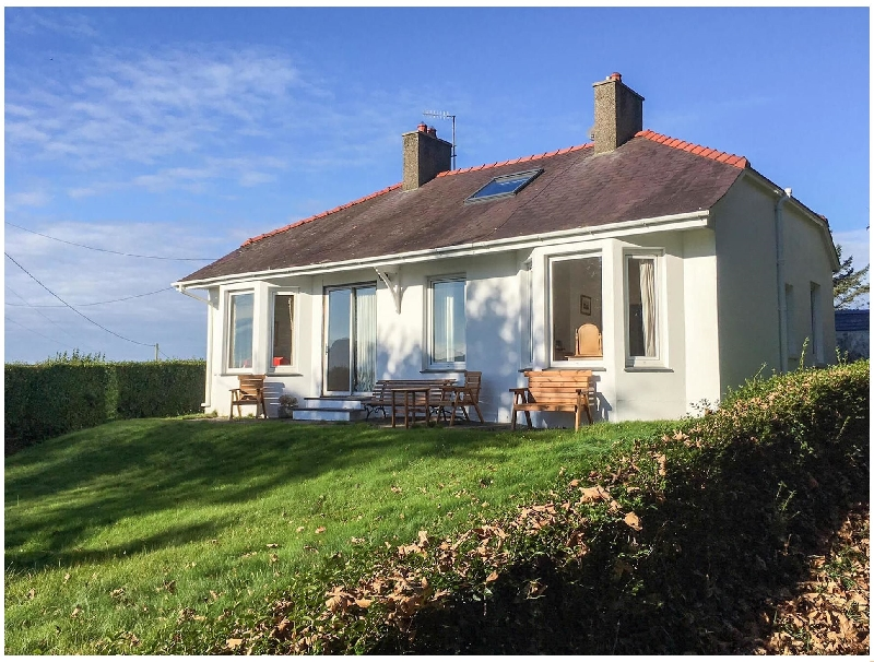 Click here for more about Ty Bryn - Nefyn