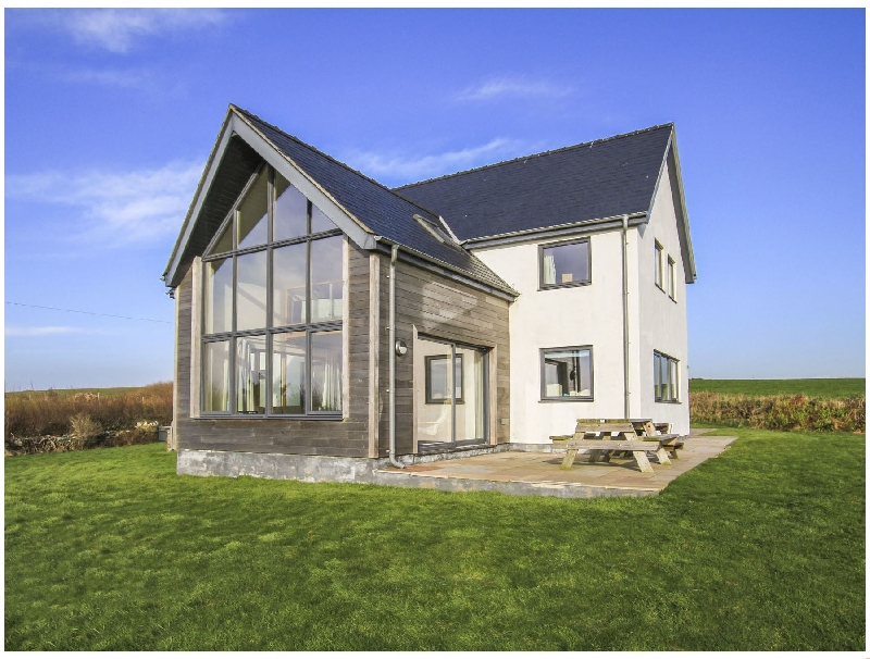 Click here for more about Ty Glan y Mor