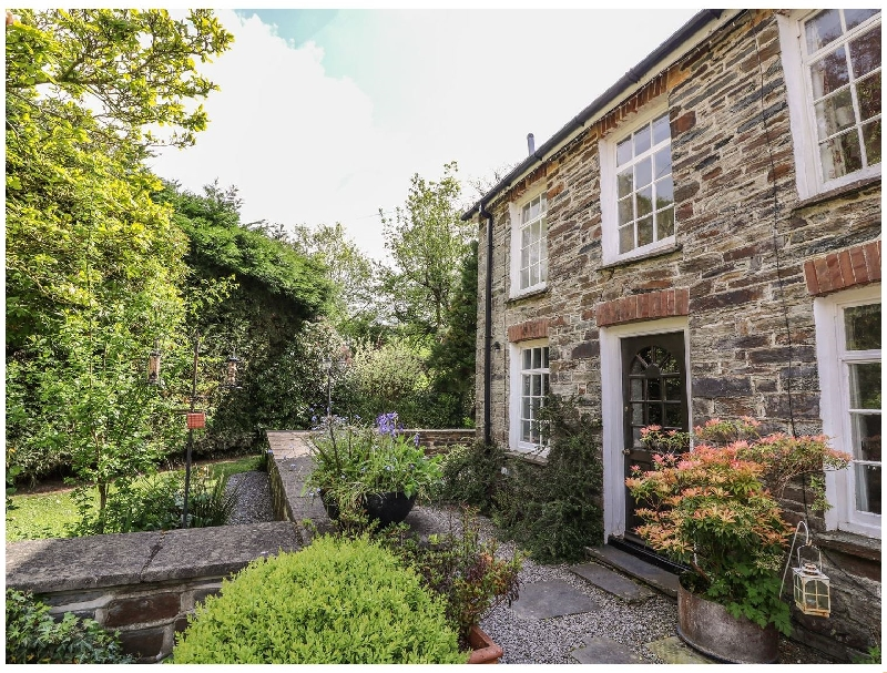 Click here for more about Spinners Cottage
