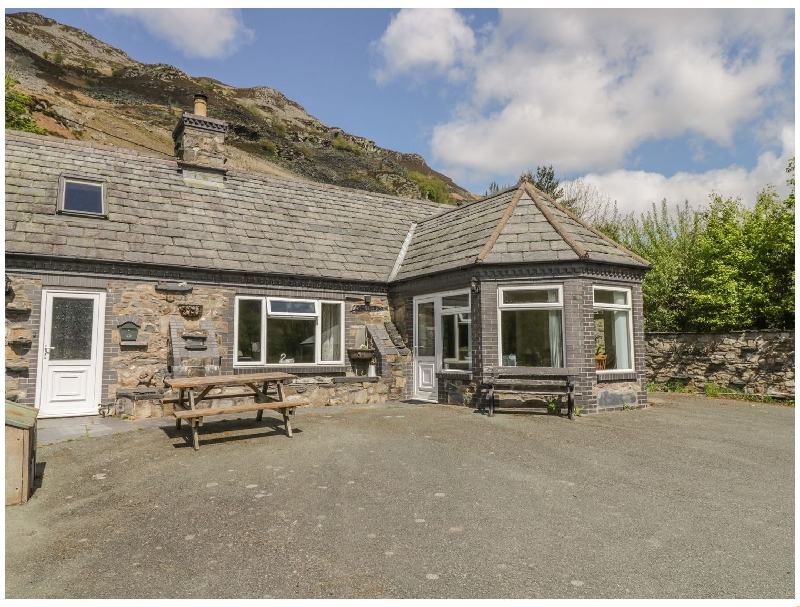 Glendower a british holiday cottage for 6 in ,