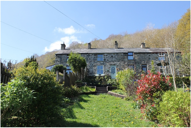 Click here for more about 2 Bryn Eglwys