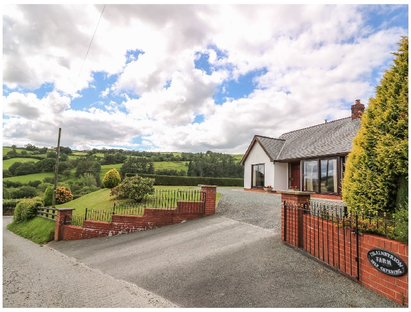 Click here for more about Drainbyrion Farm House