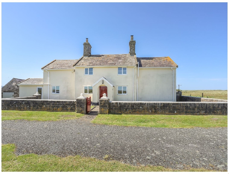 Warren Farmhouse a british holiday cottage for 8 in ,