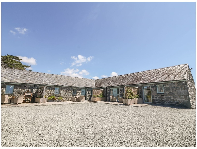 Sisial-y-Mor a british holiday cottage for 4 in ,