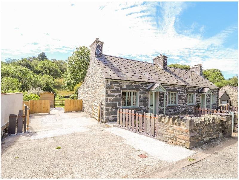 Ffrwdd Galed Uchaf a british holiday cottage for 5 in ,