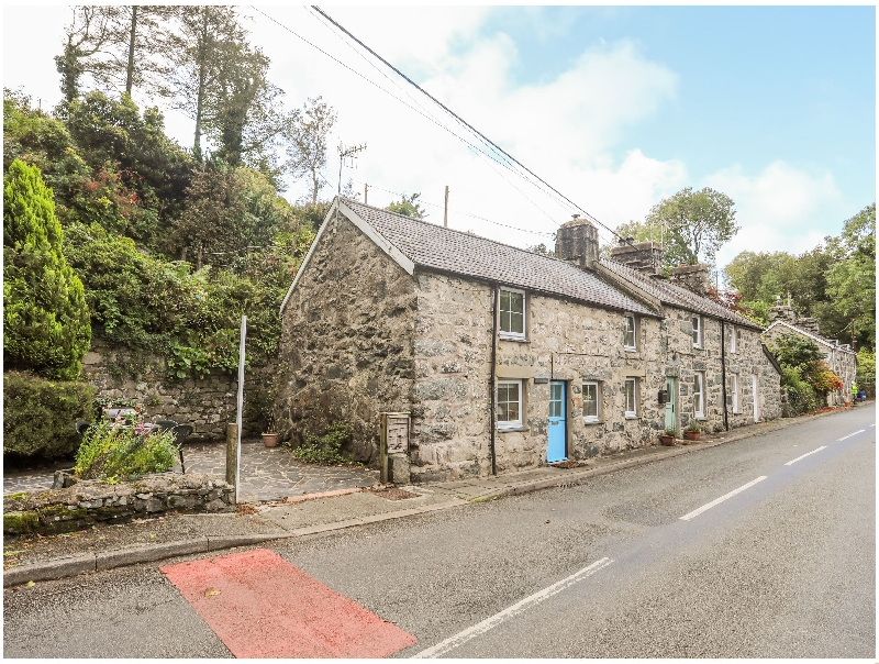 Nyth Bran a british holiday cottage for 4 in ,